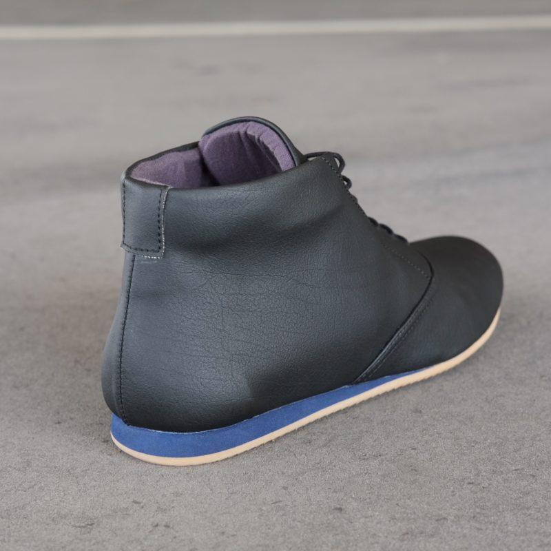Schwarze Stiefeletten. Vegane Schuhe in Schwarz. Schuhe aus Kunstleder. Faire Schuhe. Schuhe vegan. Sorbas Schuhe