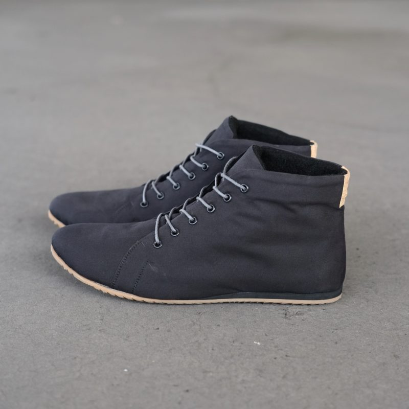 Schwarze Stiefeletten. Vegane Schuhe in Schwarz. Schuhe aus veganer Bio-Baumwolle. Schuhe vegan. Sorbas Schuhe
