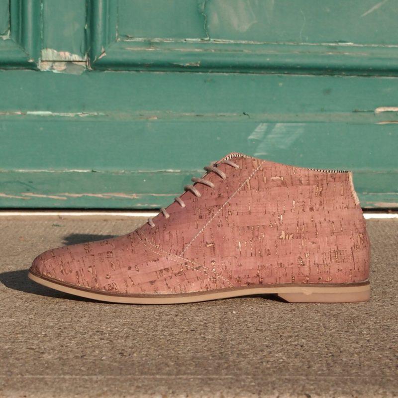 Halbschuhe in Violett, Lila. Vegane Schuhe aus Kork. Schuhe aus nachwachsenden Rohstoffen. Schuhe vegan. Sorbas Schuhe