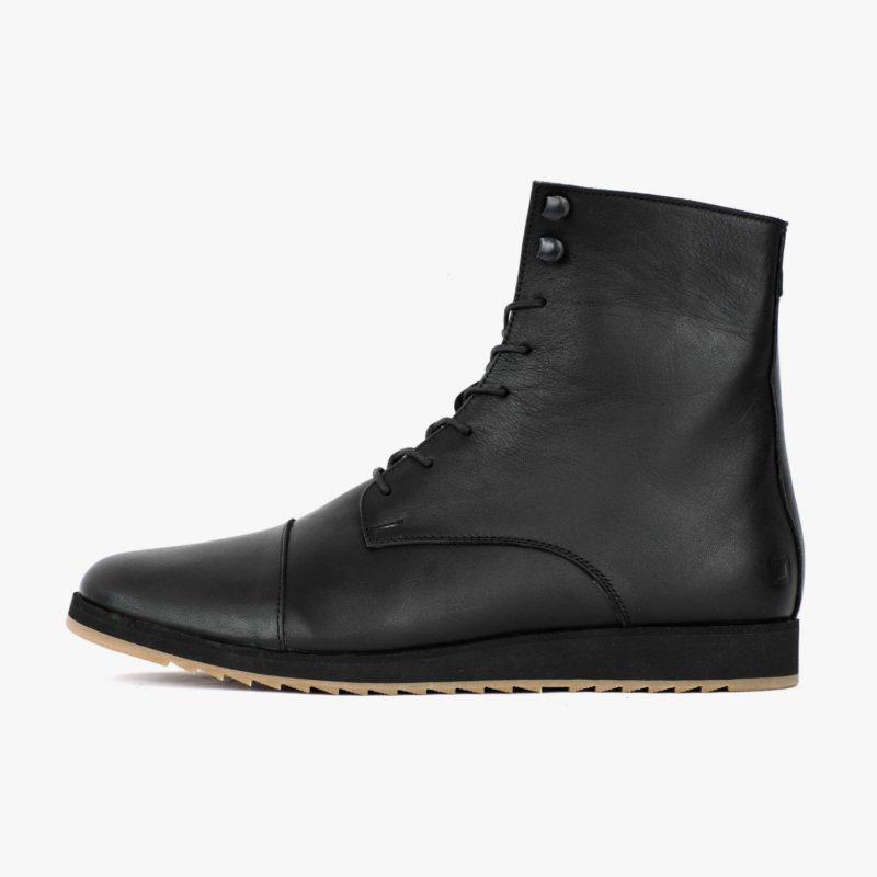 comfortable boots black