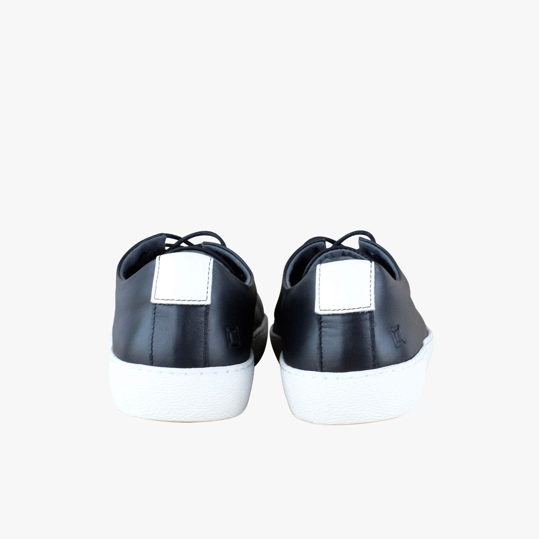 100% authentic e9830 983aa '82 Black / White
