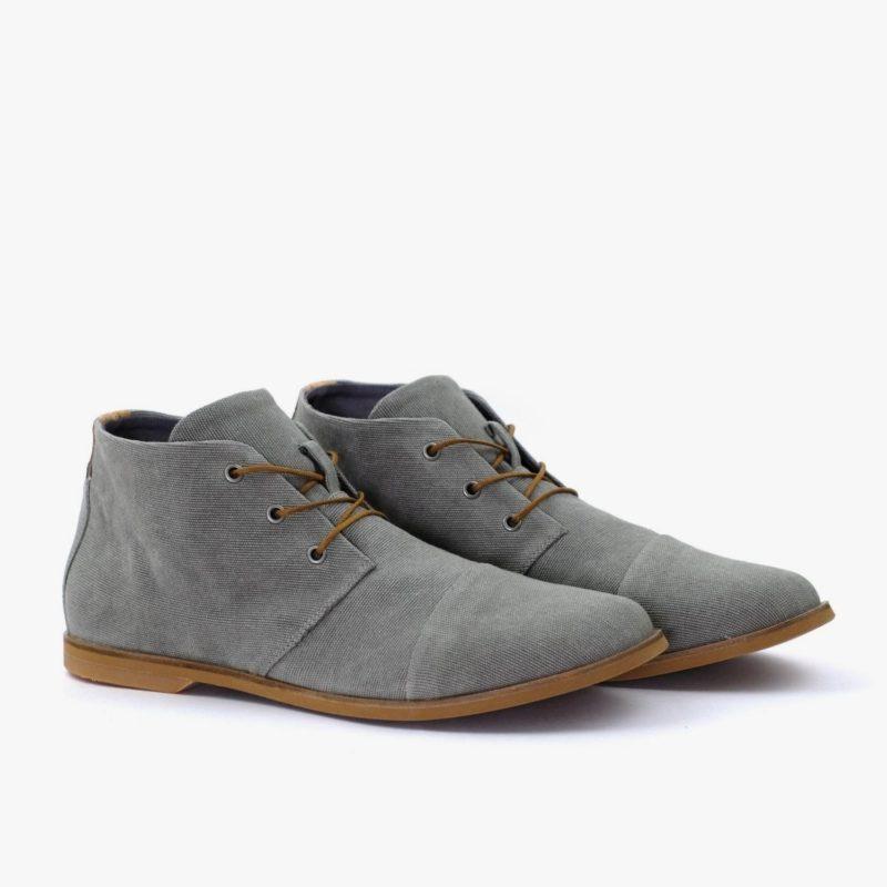 graue desert boots
